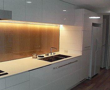 個人住宅キッチンリフォーム 流し台及び壁面戸棚類製作取付
